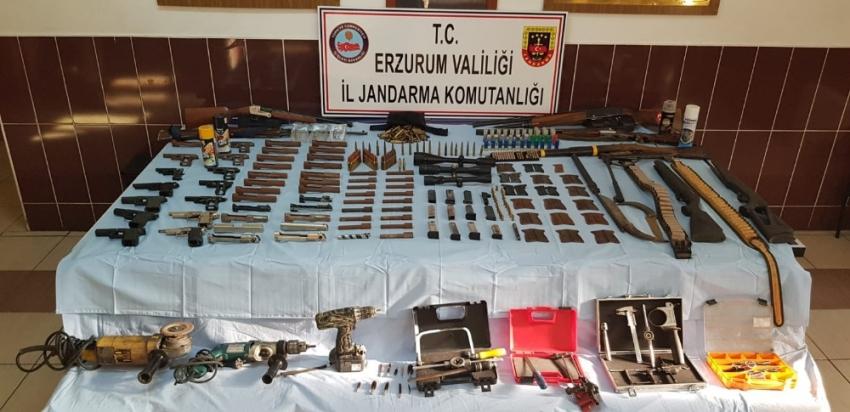 Kaçak silah imalatına jandarmadan şafak operasyonu