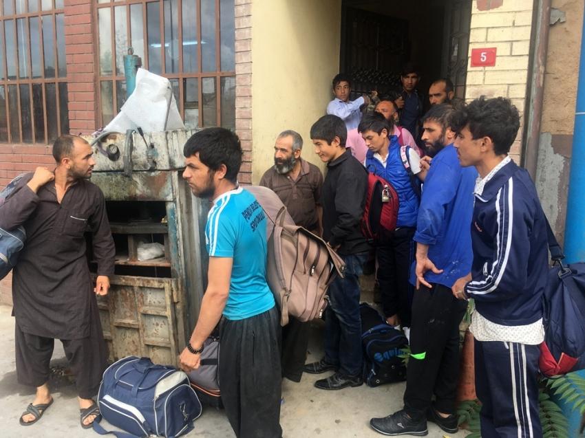 Kaçak göçmen operasyonunda 35 kişi yakalandı