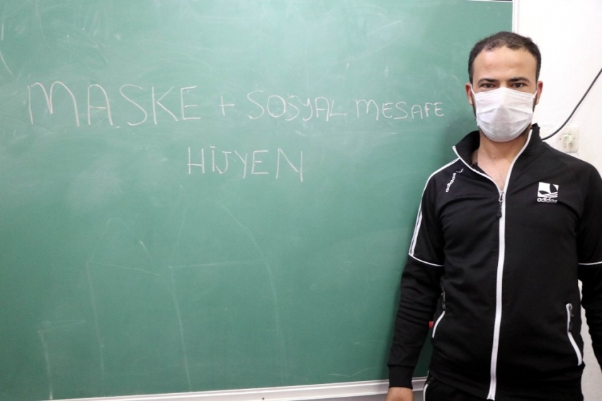 Suriyeli genç korona virüsten Türkiye sayesinde kurtuldu
