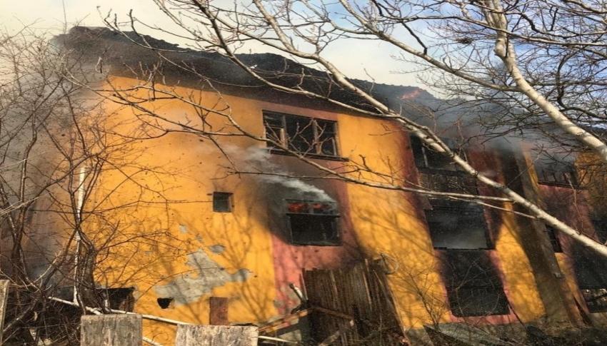 Hırsızlık yaptığı evi yaktı