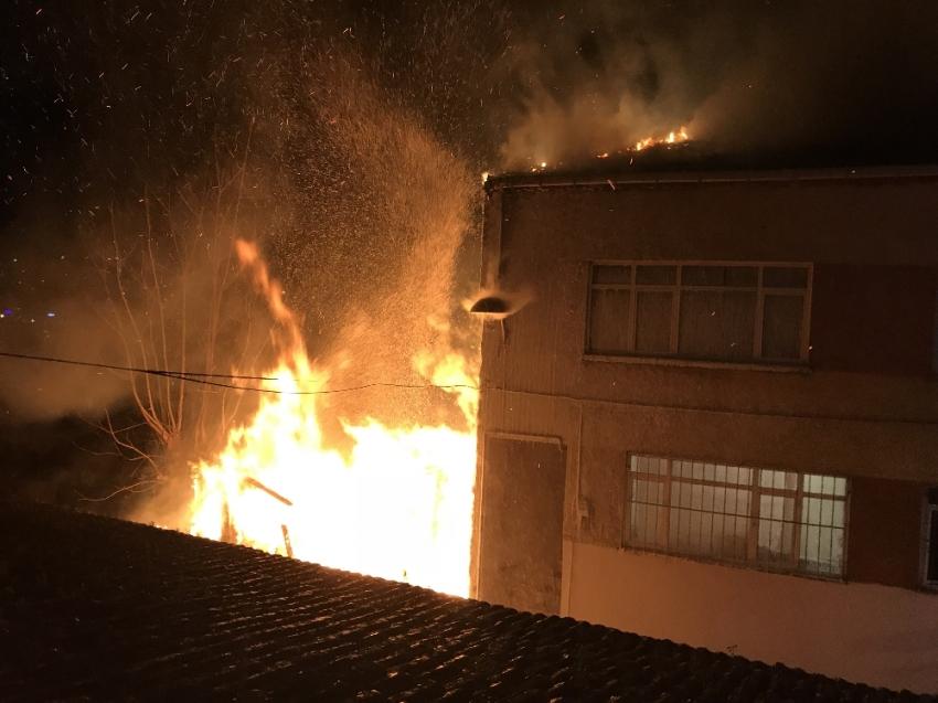 İstanbul'da korkutan yangın