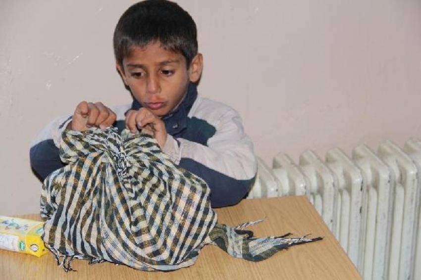 49 Afgan kaçağı Mehmetçik kurtardı