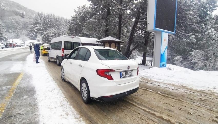 Bursa'da yoğun kar yağışı etkili oldu