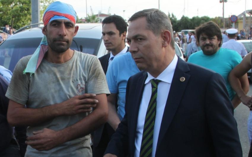 Töreni terk eden belediye başkanına tepki