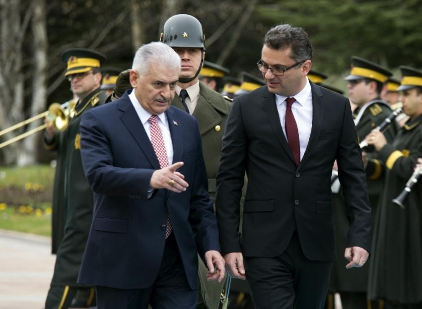 Yıldırım, KKTC Başbakanı'nı resmi törenle karşıladı