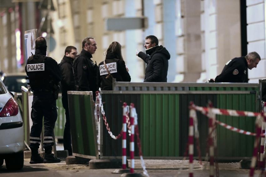 Paris'te ünlü otelde milyon dolarlık soygun