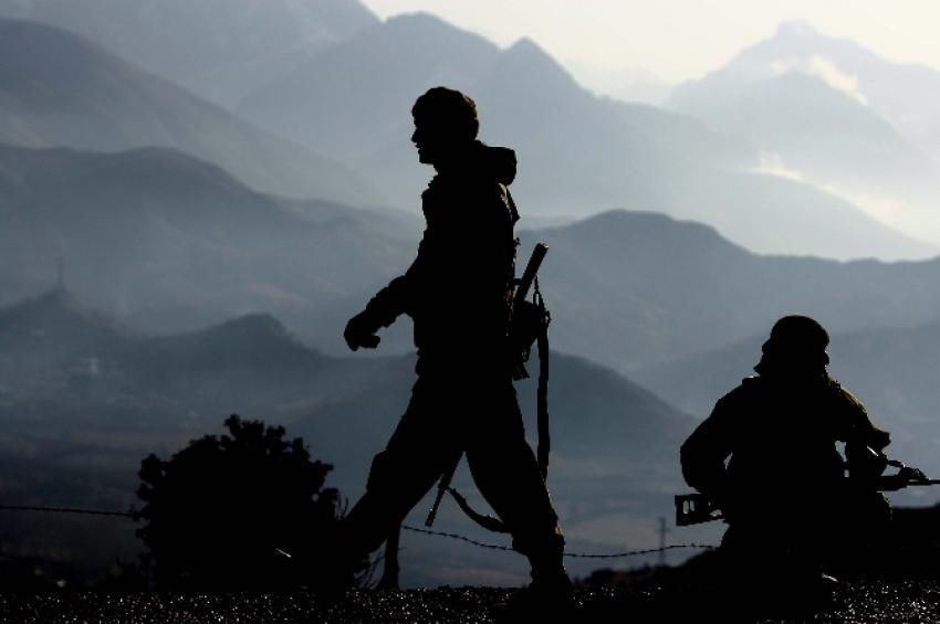 NATO birliklerine saldırı! 3 yaralı