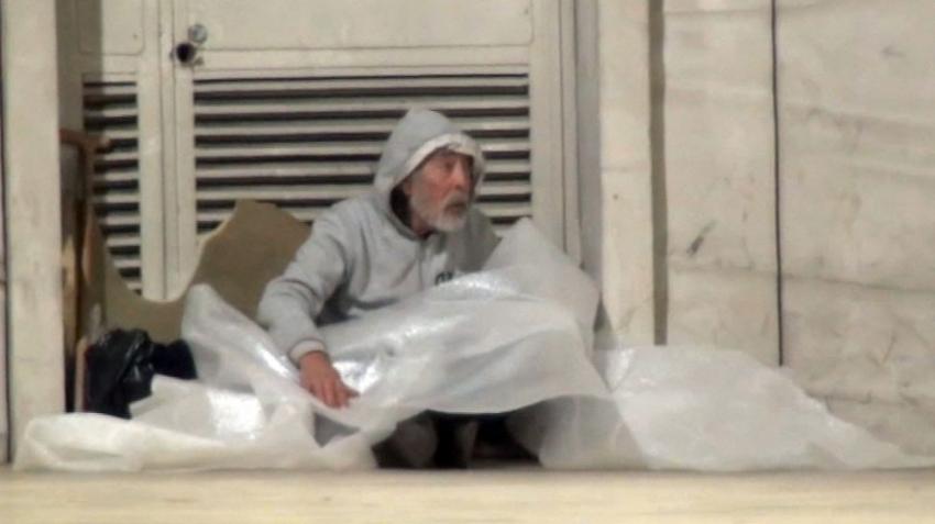 Taksim Tünelinde kalan evsizlerin hali yürek burktu