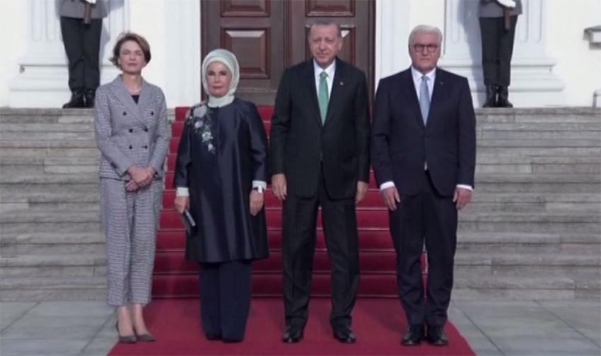 Erdoğan, Almanya'da askeri törenle karşılandı