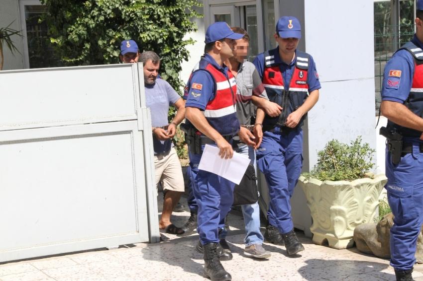 Yok böyle hırsızlık: Fabrikanın duvarını deldiler