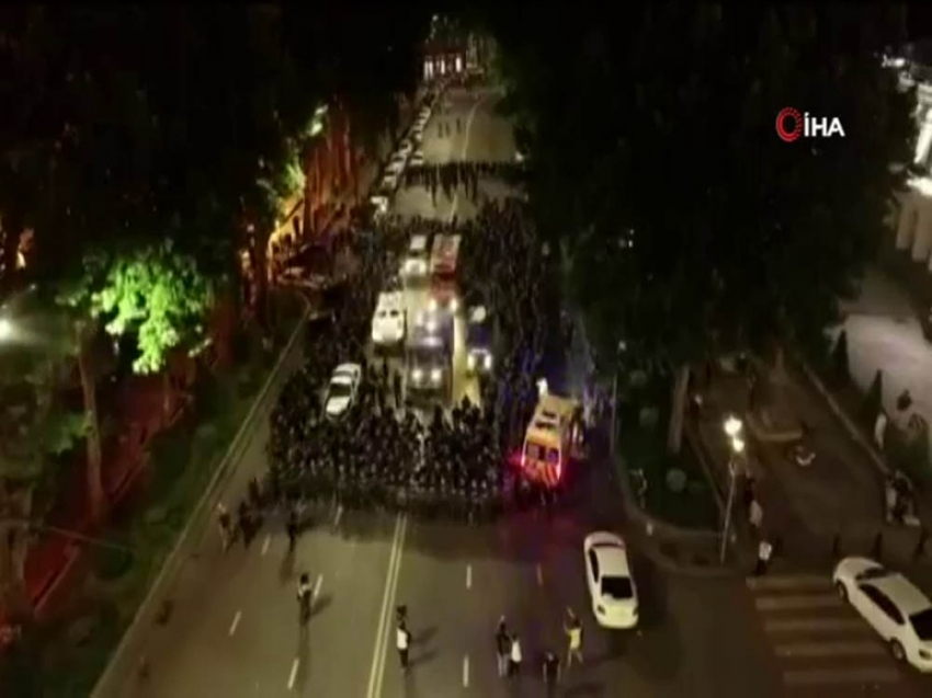 Gürcistan'da protestolar istifa getirdi