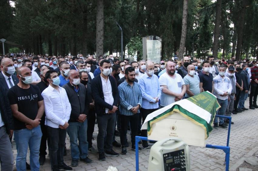 Bursa'da paraşüt kazasında ölen genç gözyaşlarıyla uğurlandı