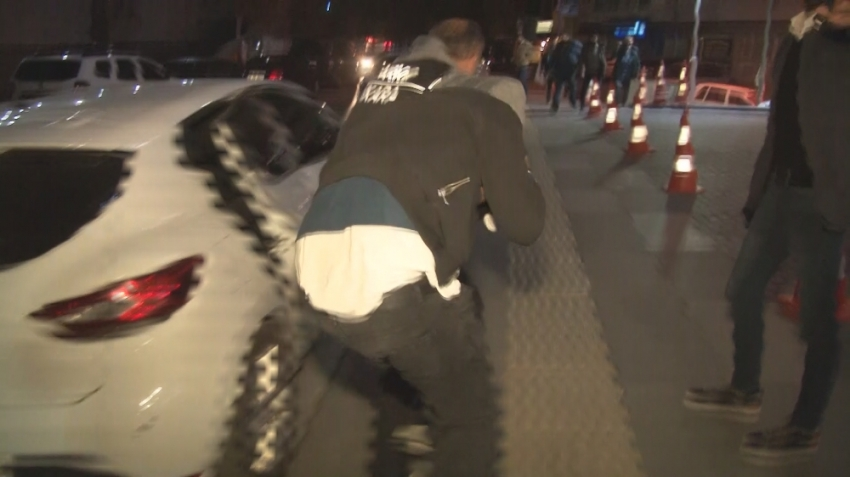 Başkent'te narkotik operasyonu: Torbacı suç üstü yakalandı