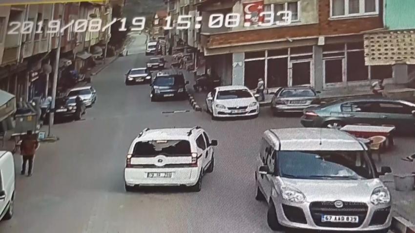 Başkanın üzerine araç sürdü, o anlar güvenlik kamerasına yansıdı