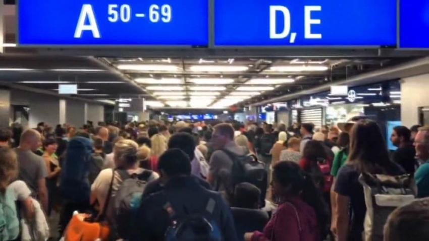 Frankfurt Havaalanında alarm