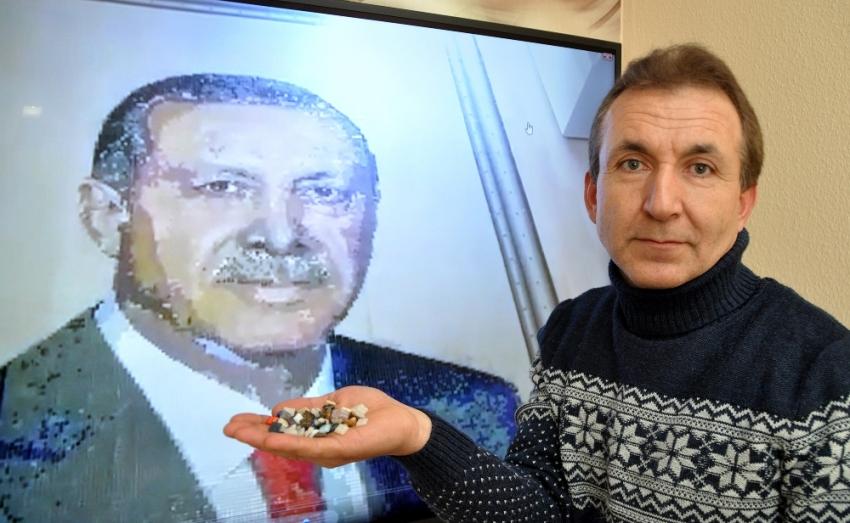 85 bin mozaik taşıyla Erdoğan'ın portresini yaptı