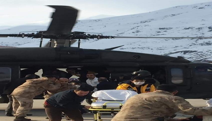 Bahçesaray'daki 5 hasta askeri helikopterle Van'a sevk edildi