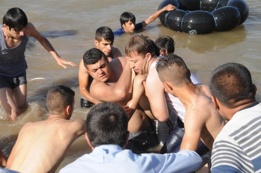 Serinlemek için girdiği nehirde boğuldu