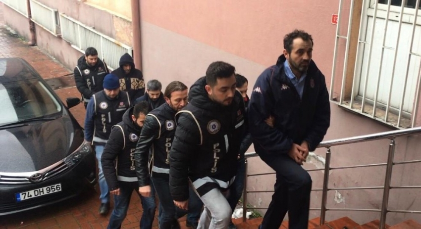 Bartın'daki FETÖ operasyonunda 2 tutuklama