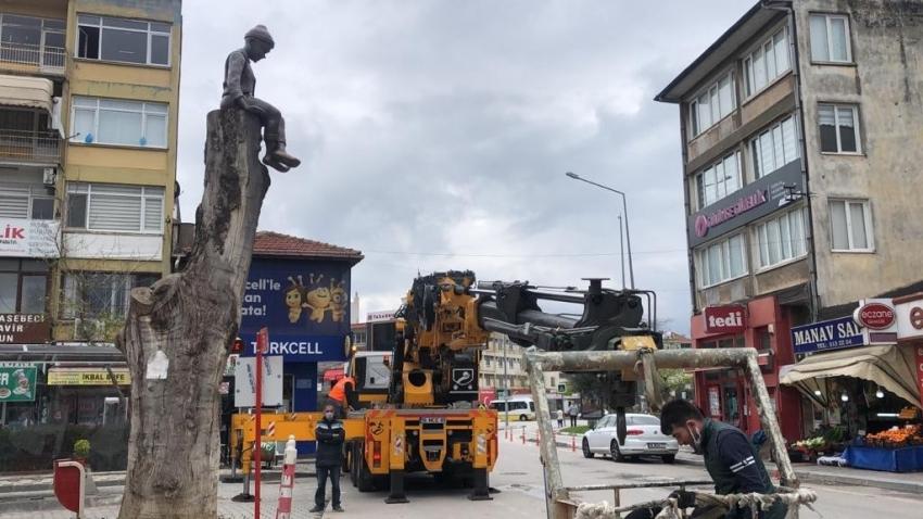Bursa'da sıradışı heykel