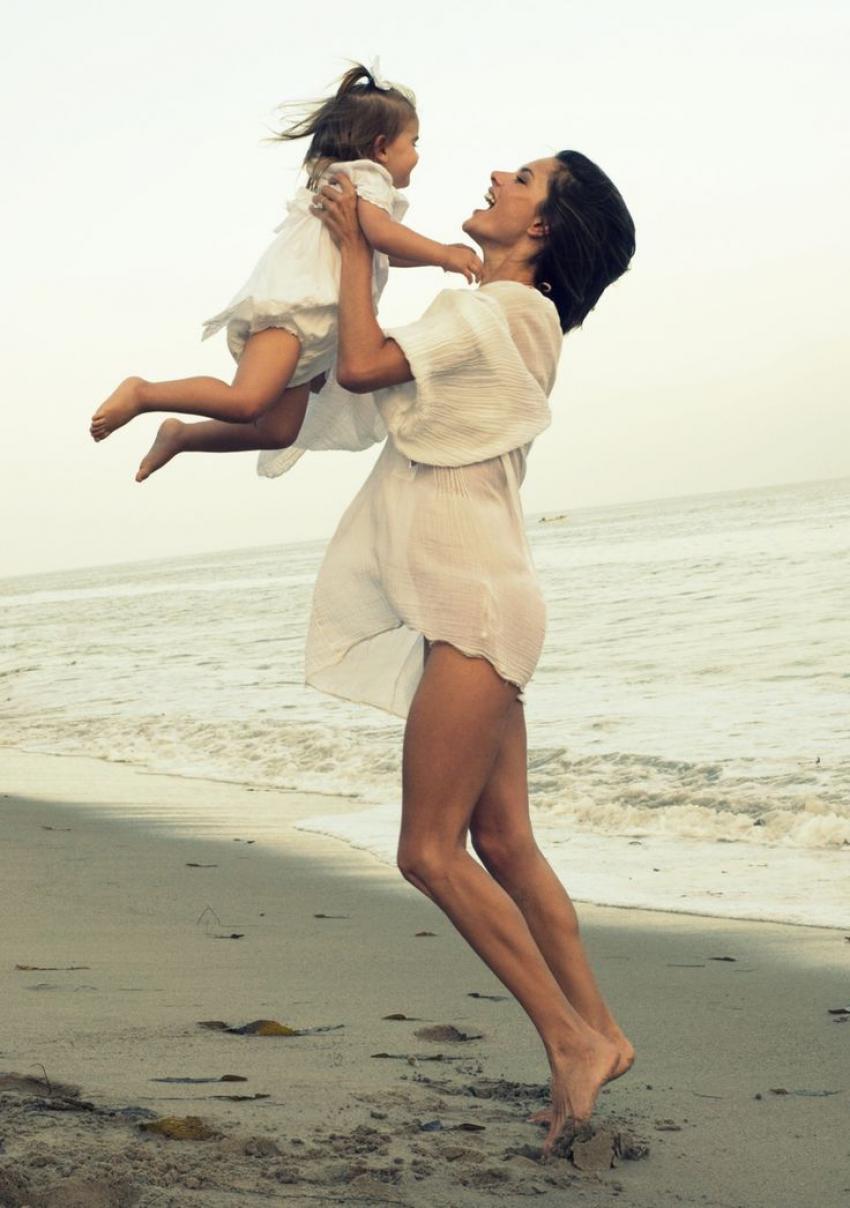 С мамой на море продолжение 8 фотография