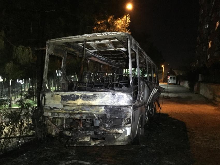 Ümraniye'de otobüs kül oldu