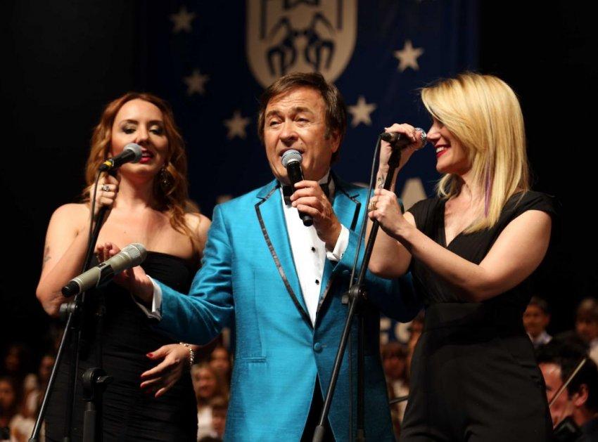 Erol Evgin, Bursa'da konser verdi