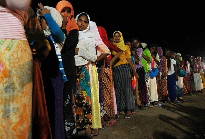 Arakanlı Müslümanların kamp esareti
