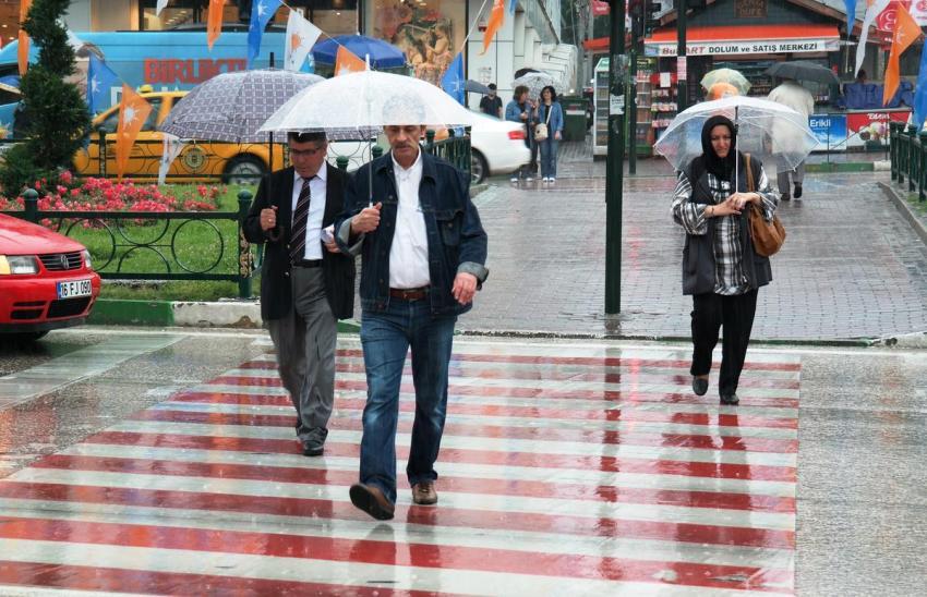 Bursa seçim günü yağmura teslim!