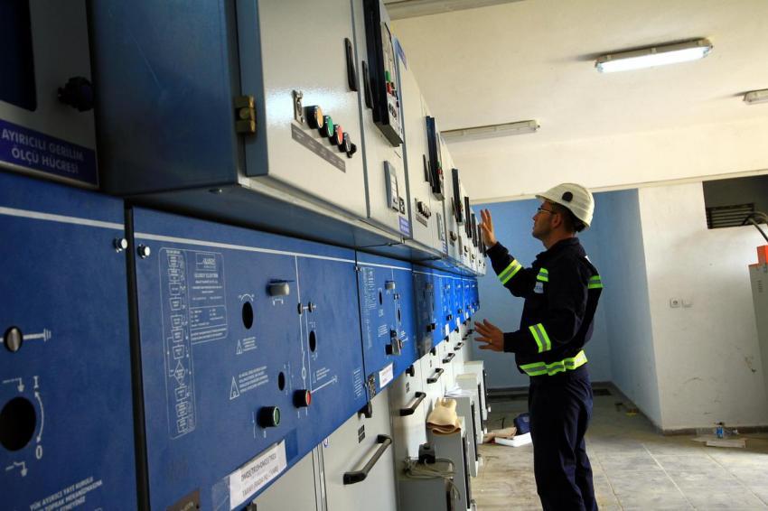 Elektrik işçilerinin zorlu meaisi