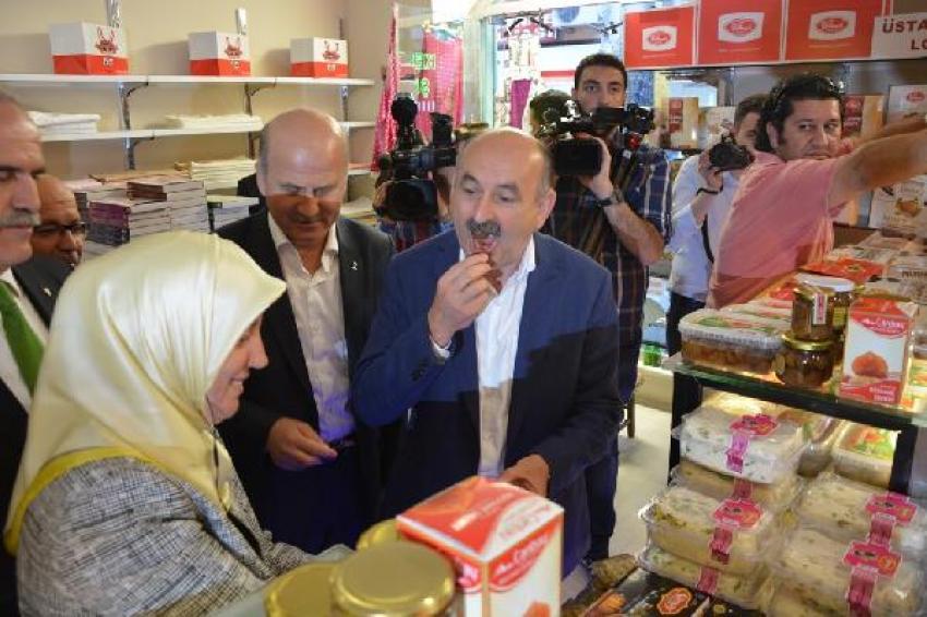 Bakan Müezzinoğlu'ndan Bursa çarşı esnafına ziyaret