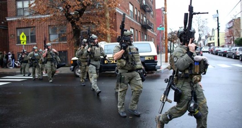 Şehrin kalbinde polisle çatıştılar