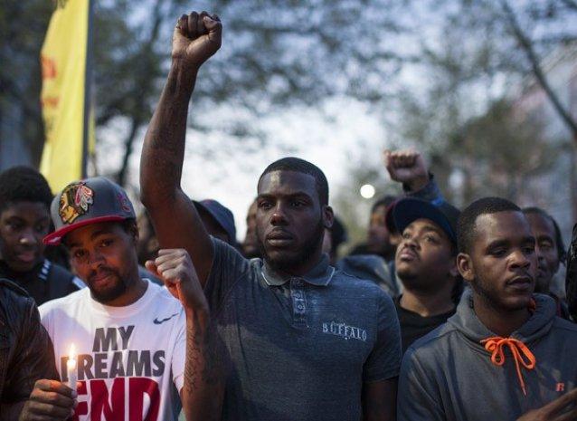 ABD siyahi genç için ayaklandı