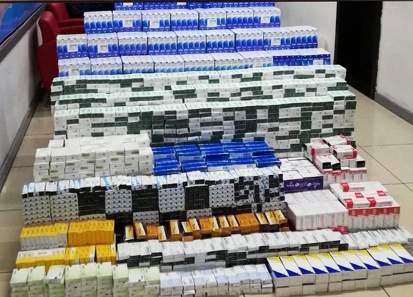 Kuzey Irak'a tırla 124 bin ilaç götüreceklerdi