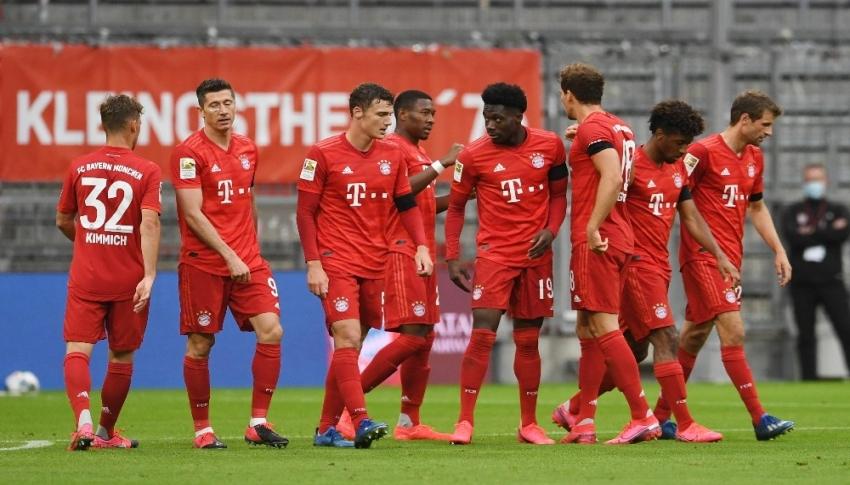 Bayern Münih fark attı