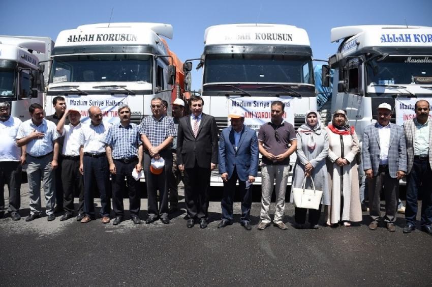 Suriye'ye 4 tır yardım