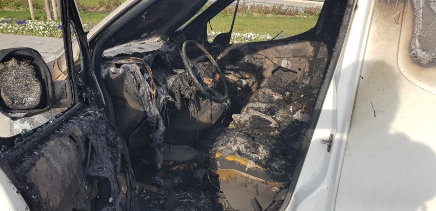 E-5'te araç alev alev yandı