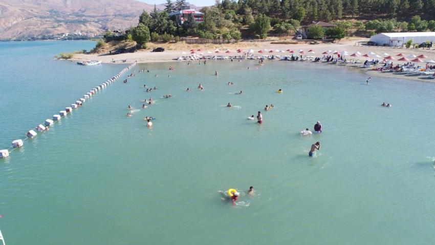 Doğunun gizli denizi Hazar'da hafta sonu yoğunluğu