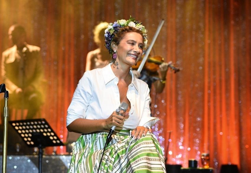 Şarkıcı Sıla'ya suç duyurusu