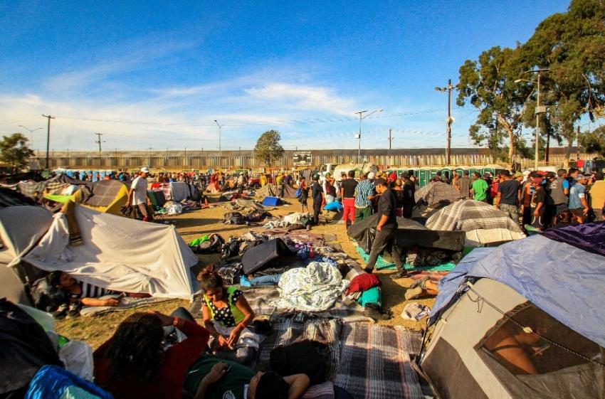 9 bin göçmen ABD sınırına dayandı