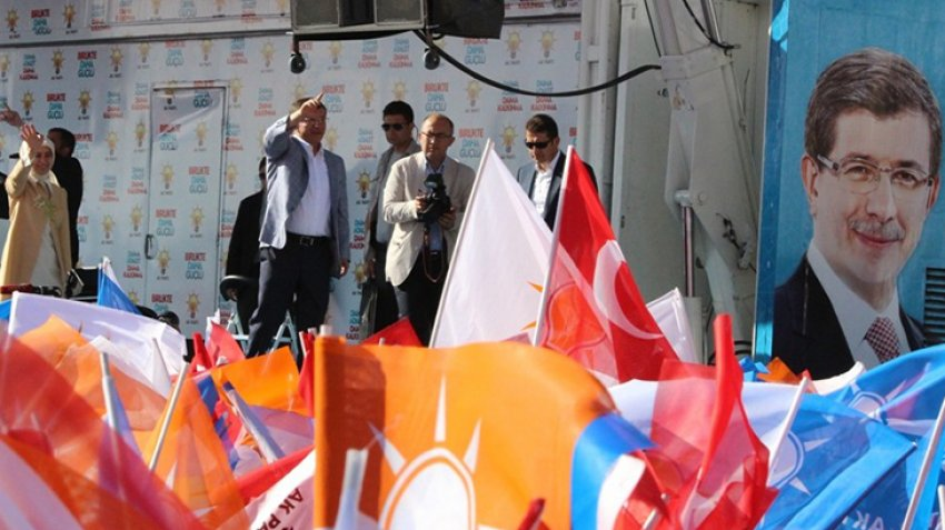 Davutoğlu İzmir'de coştu