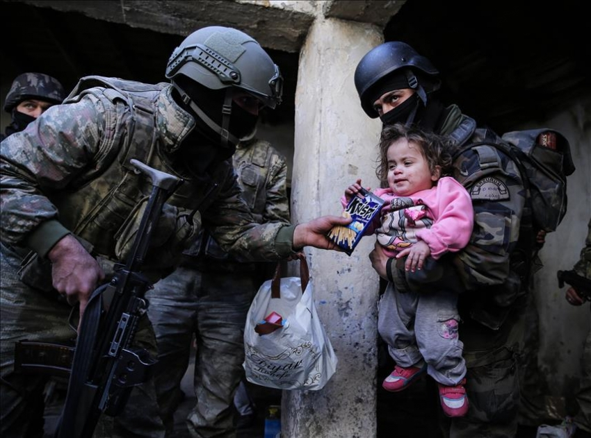 Terör mağduru aileyi Mehmetçik kurtardı