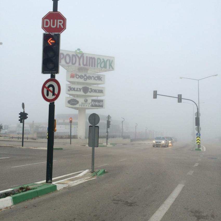 Bursa yoğun sis altında