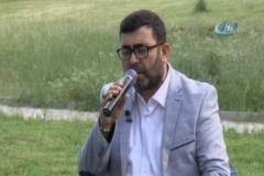 Aktaş'tan iftar programında canlı performans