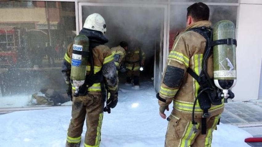 Bursa'da kimyasal ürünlerin bulunduğu depoda yangın