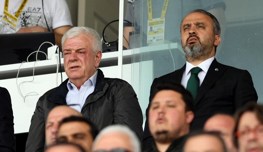 Alinur Aktaş'tan futbolculara tepki!
