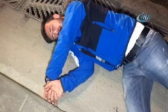 Alkollü sürücü kaza yapınca kendini yere attı