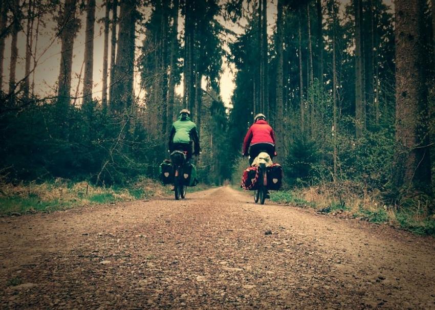 Alman biyolog çiftten bisikletle dünya turu