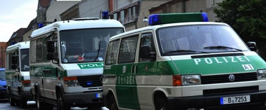 Almanya'da Başbakanlığa molotoflu saldırı