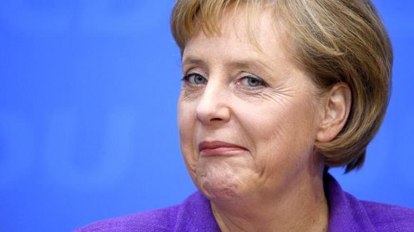 Merkel: Yunanistan için kapılar açıktı açık kalacak